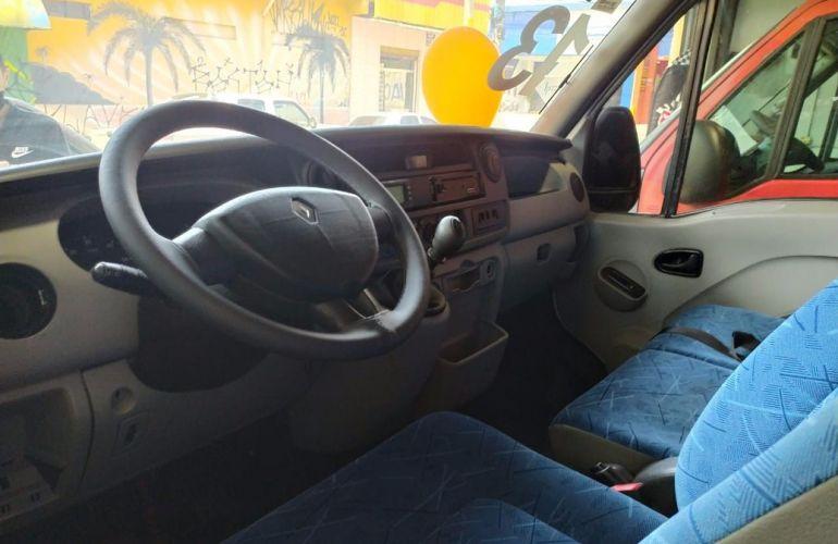Renault Master 2.5 DCi Minibus L3h2 16 Lugares 16v - Foto #3