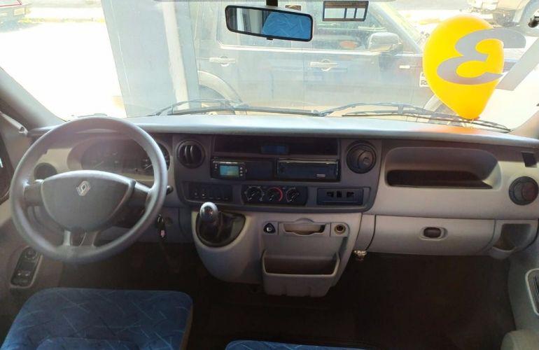 Renault Master 2.5 DCi Minibus L3h2 16 Lugares 16v - Foto #4