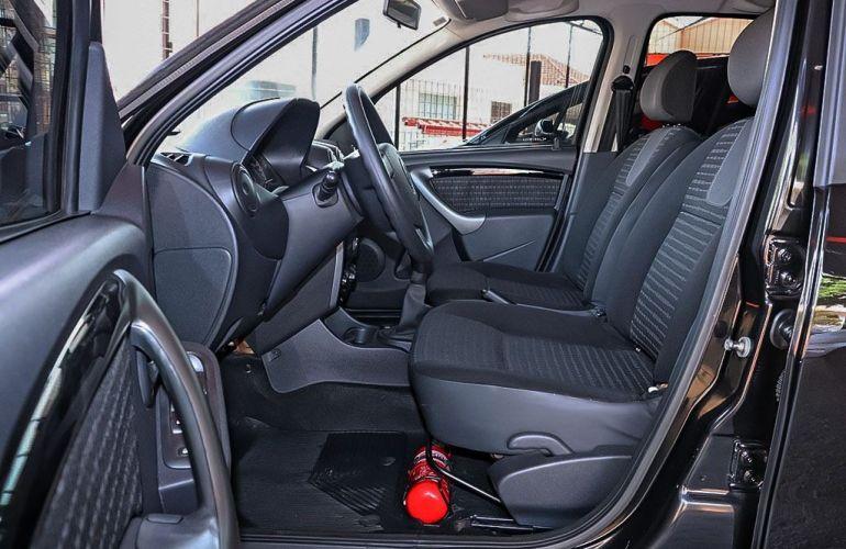 Renault Sandero 1.6 Privilege 16v - Foto #4
