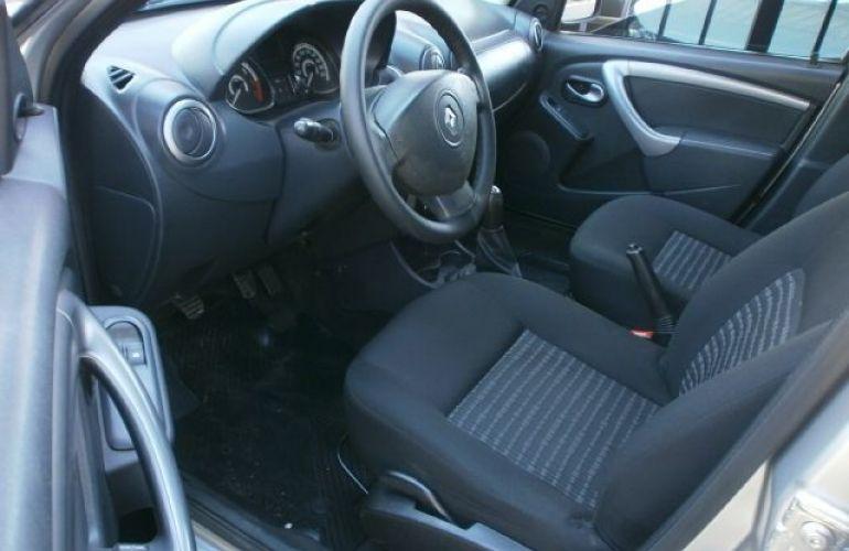 Renault Sandero 1.0 Authentique 16v - Foto #8