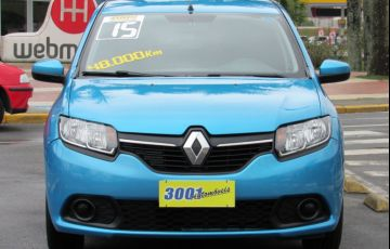 Renault Sandero 1.0 Expression 16v - Foto #3
