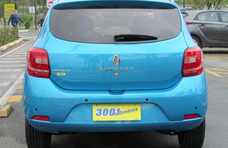 Renault Sandero 1.0 Expression 16v - Foto #4
