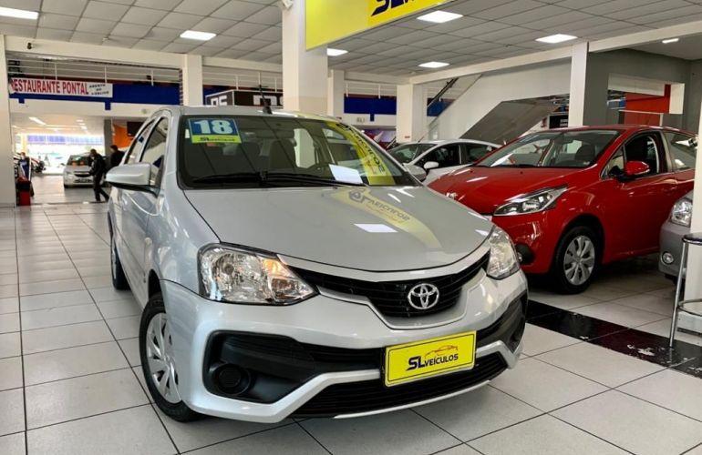 Toyota Etios 1.5 X Sedan 16v - Foto #1