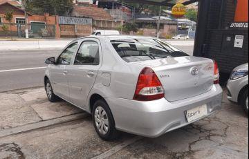 Toyota Etios 1.5 X Sedan 16v - Foto #6