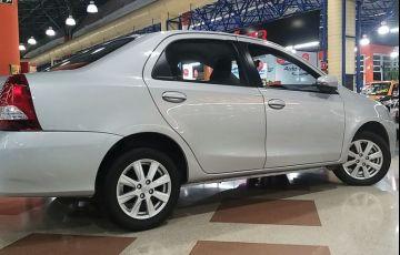 Toyota Etios 1.5 X Plus Sedan 16v - Foto #2