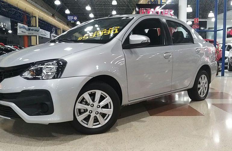 Toyota Etios 1.5 X Plus Sedan 16v - Foto #8