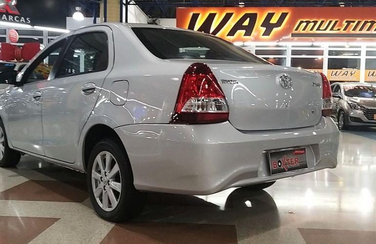 Toyota Etios 1.5 X Plus Sedan 16v - Foto #10