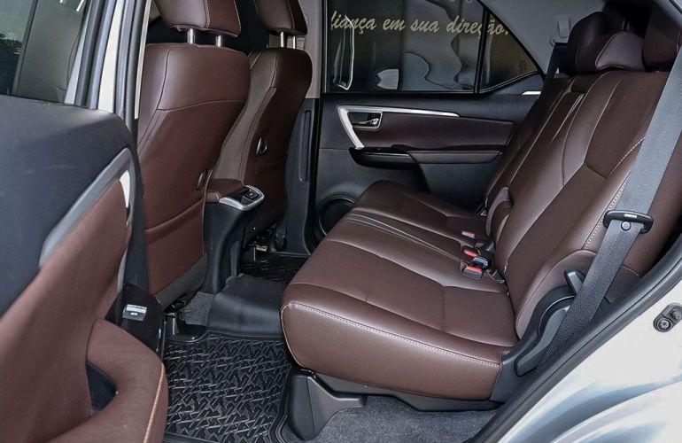 Toyota Hilux Sw4 2.8 Srx 4x4 7 Lugares 16V Turbo Intercooler - Foto #7