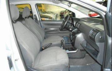 Volkswagen Fox 1.0 Mi Plus 8v - Foto #9