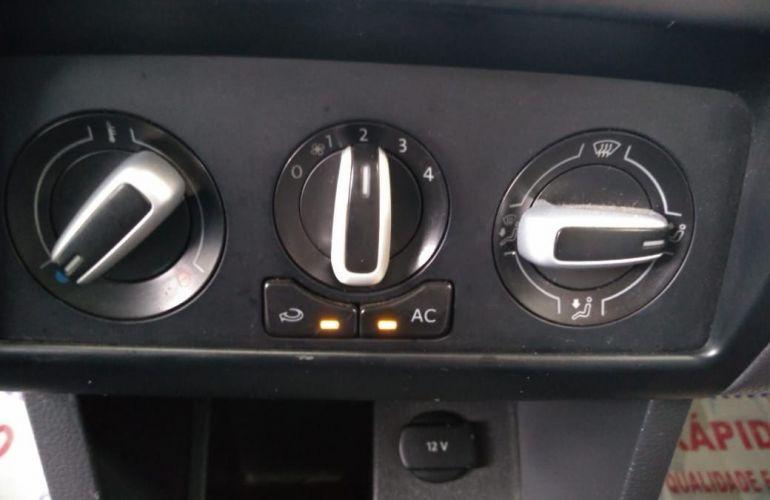 Volkswagen Fox 1.0 Mi 8v - Foto #7