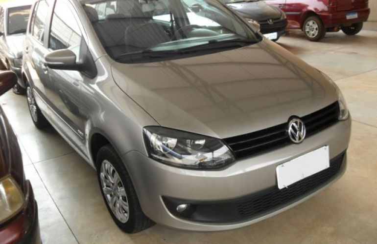 Volkswagen Fox 1.6 Mi 8V Total Flex - Foto #3
