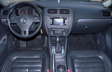 Volkswagen Jetta 2.0 TSi Highline 200cv - Foto #10