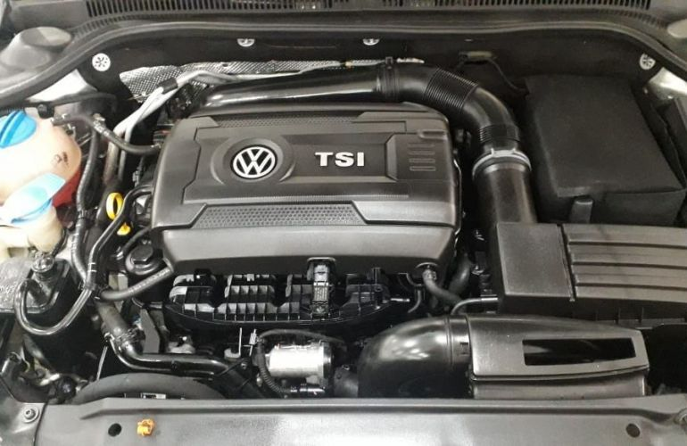 Volkswagen Jetta 2.0 TSi Highline 200cv - Foto #9