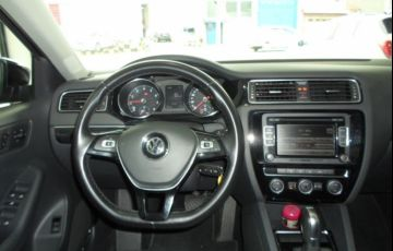 Volkswagen Jetta 2.0 TSi Highline 211cv - Foto #6