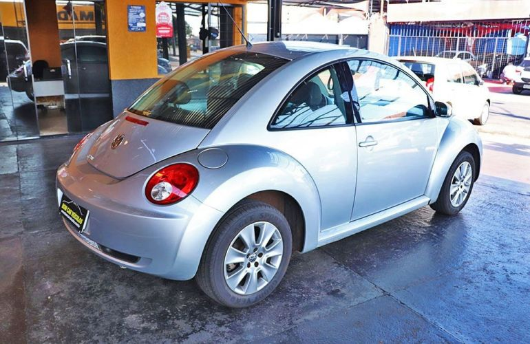Volkswagen New Beetle 2.0 Mi 8v - Foto #8