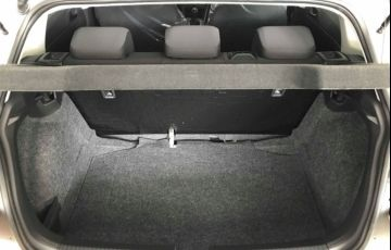 Volkswagen Polo 1.0 MPi Total - Foto #8