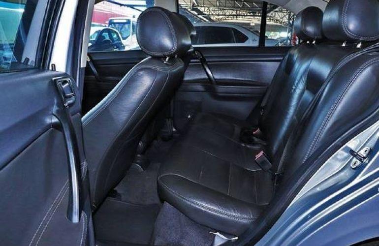 Volkswagen Polo Sedan 2.0 Mi 8v - Foto #4