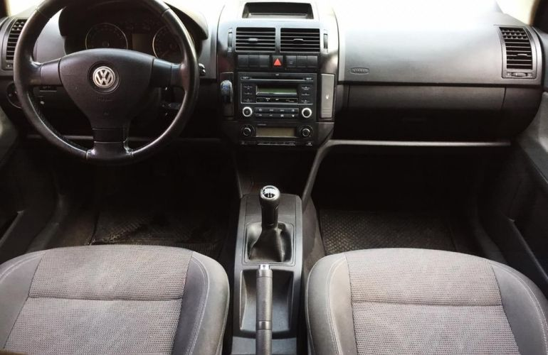 Volkswagen Polo Sedan 2.0 Mi Comfortline 8v - Foto #5