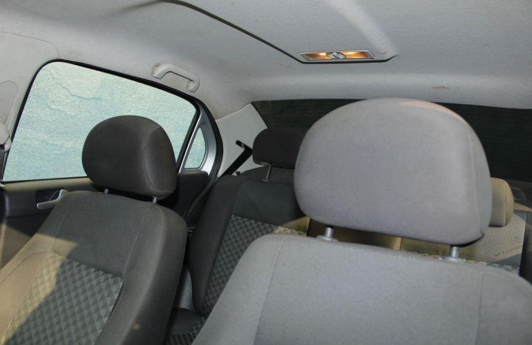 Volkswagen Voyage 1.6 Mi Comfortline 8v - Foto #10