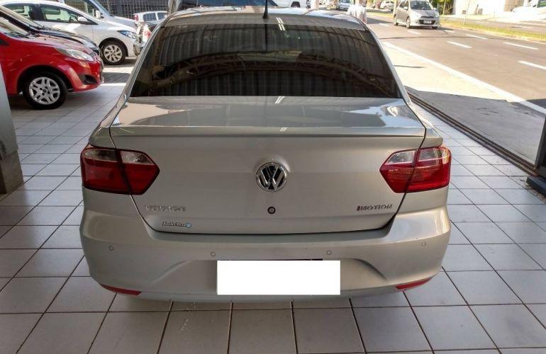 Volkswagen Voyage 1.6 Msi Total Comfortline - Foto #4