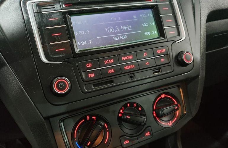 Volkswagen Voyage 1.0 12v MPi Total Comfortline - Foto #6
