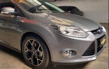 Ford Focus Hatch Titanium 2.0 PowerShift - Foto #3