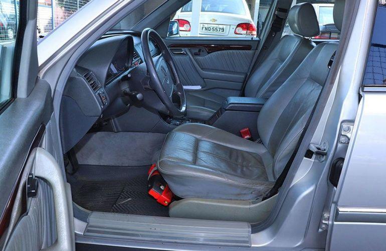 Mercedes-Benz C 280 2.8 Elegance V6 - Foto #4