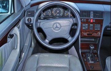 Mercedes-Benz C 280 2.8 Elegance V6 - Foto #6