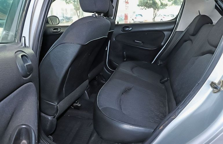 Citroën C4 Picasso 2.0 16v - Foto #7
