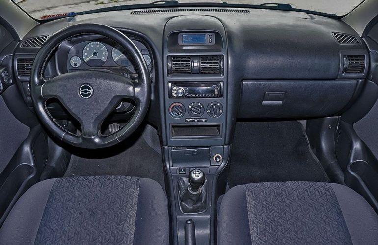Chevrolet Astra 2.0 MPFi Advantage Sedan 8v - Foto #5