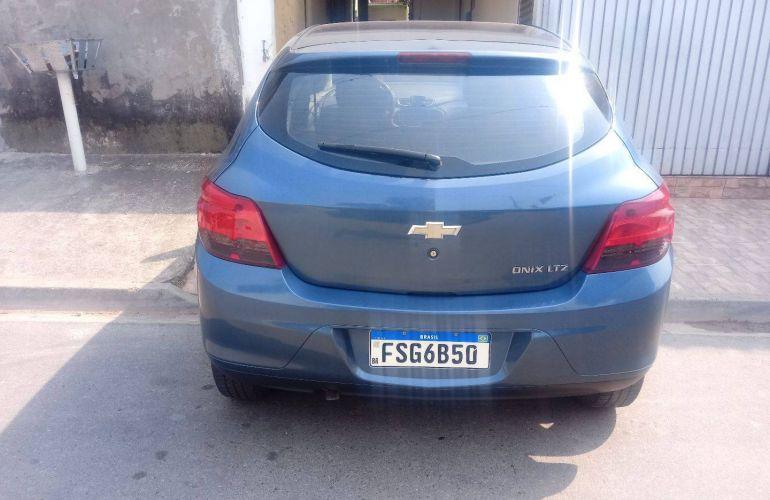 Chevrolet Onix 1.4 LTZ SPE/4 (Aut) - Foto #3