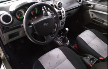 Ford Fiesta 1.0 MPi Class Hatch 8v - Foto #8