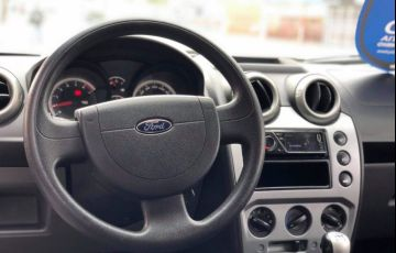 Ford Fiesta 1.6 Rocam Hatch 8v - Foto #9