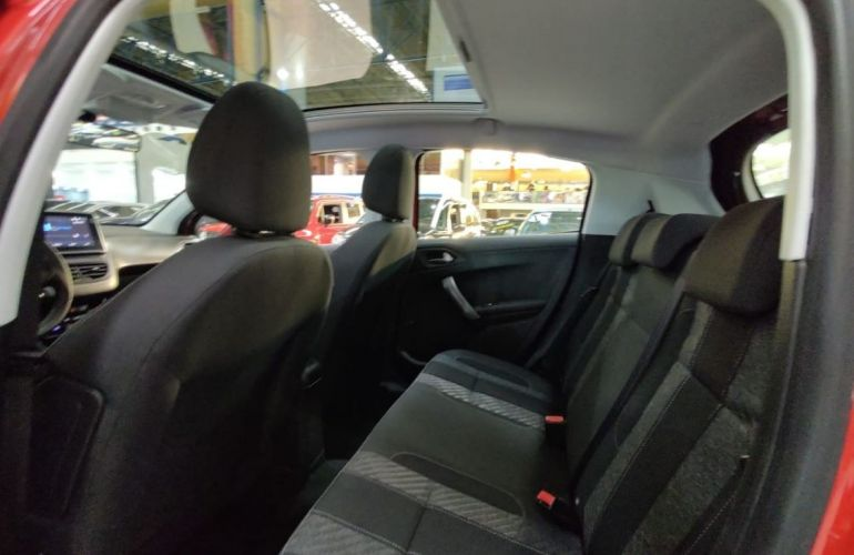 Peugeot 208 1.6 Griffe 16v - Foto #8