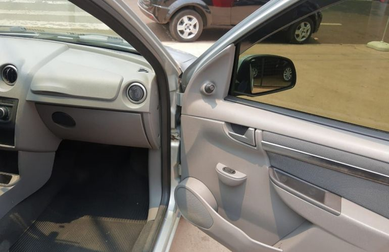 Chevrolet Prisma 1.4 MPFi LT 8v - Foto #8