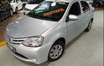 Toyota Etios 1.5 X Sedan 16v - Foto #2