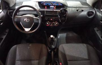 Toyota Etios 1.5 X Sedan 16v - Foto #7