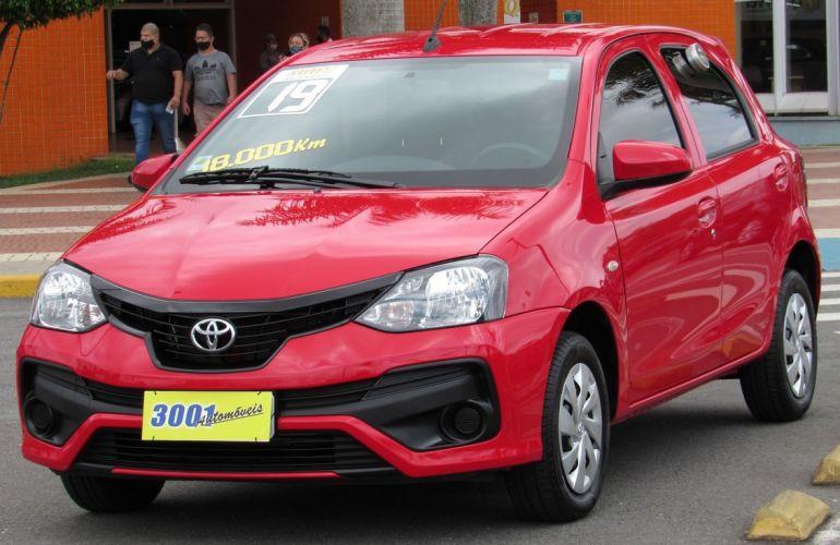 Toyota Etios 1.3 X 16v - Foto #1