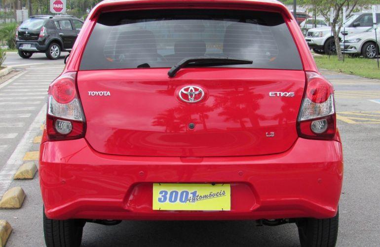 Toyota Etios 1.3 X 16v - Foto #4