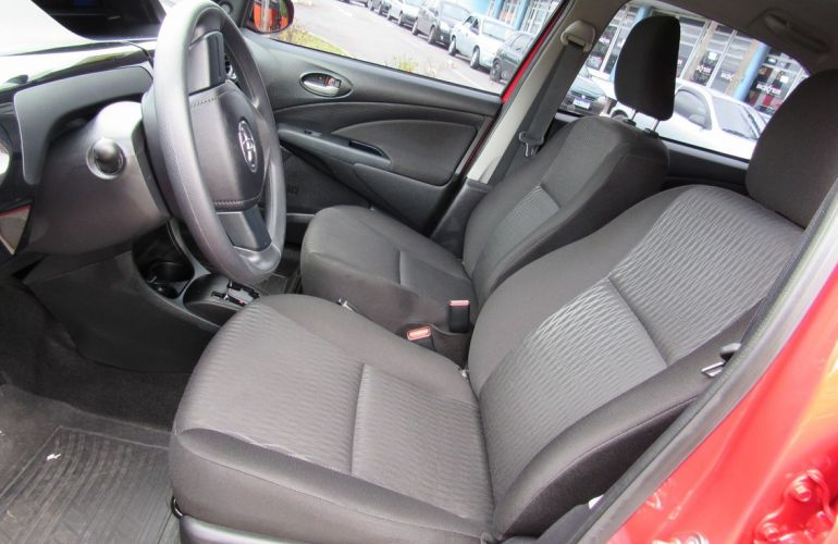 Toyota Etios 1.3 X 16v - Foto #9