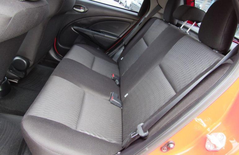 Toyota Etios 1.3 X 16v - Foto #10