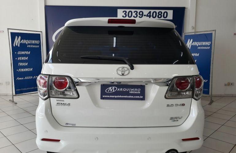 Toyota Hilux SW4 3.0 TDI 4x4 SRV 5L - Foto #4