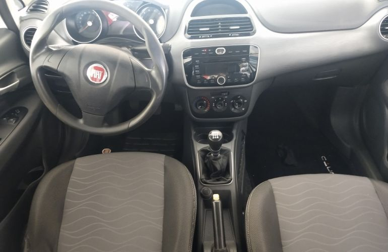 Fiat Punto Essence 1.6 16V (Flex) - Foto #3