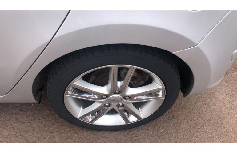 Hyundai i30 GLS 2.0 16V - Foto #9