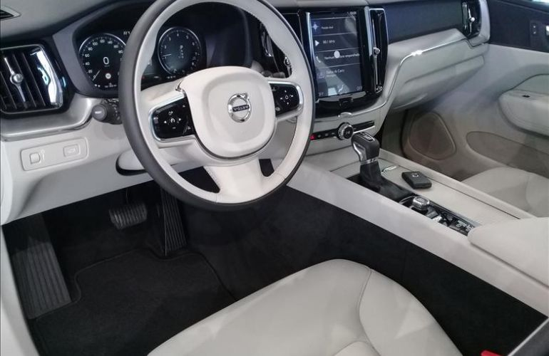 Volvo XC60 2.0 T5 Momentum AWD Geartronic - Foto #7