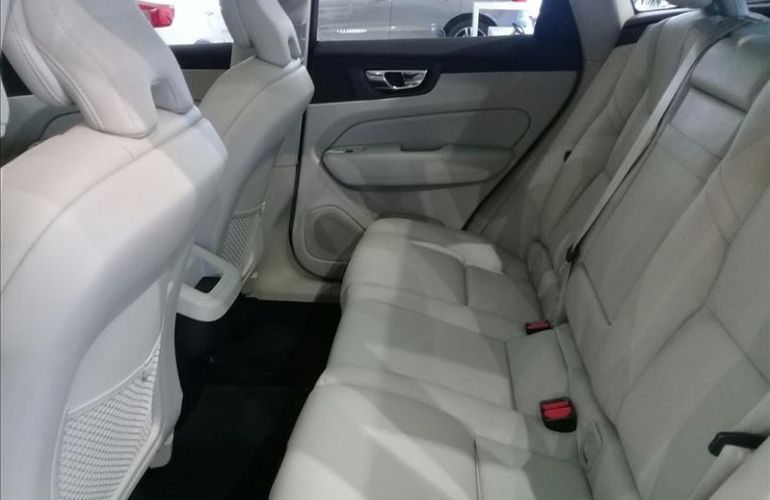 Volvo XC60 2.0 T5 Momentum AWD Geartronic - Foto #9