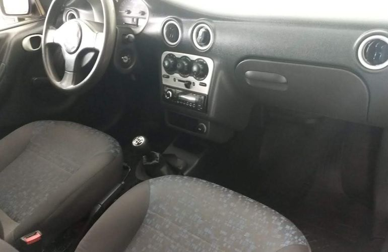 Chevrolet Celta 1.4 VHC 2p - Foto #2