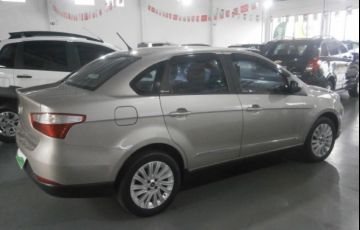 Fiat Grand Siena Essence 1.6 16V (Flex) - Foto #5