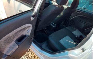 Ford Fiesta Hatch Class 1.6 (Flex) - Foto #5