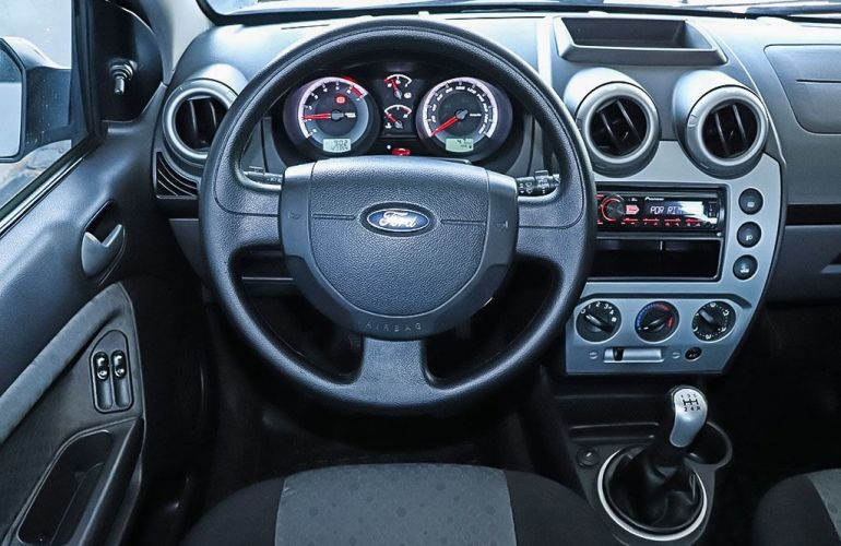 Ford Fiesta 1.0 Rocam SE 8v - Foto #6